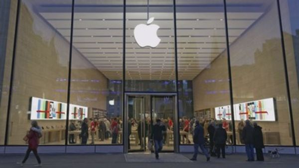 Apple beat on earnings and revenues, but weak guidance hit the stock???here's what three experts had to say